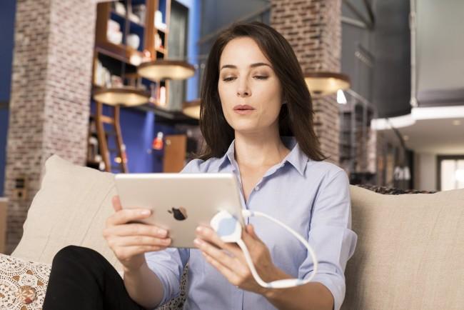 Ubisoft annonce le lancement d'O.zen, un programme de bien-être connecté pour iPad et iPhone reposant sur le principe de la cohérence cardiaque et commercialisé en magasins pour 99,99 euros.