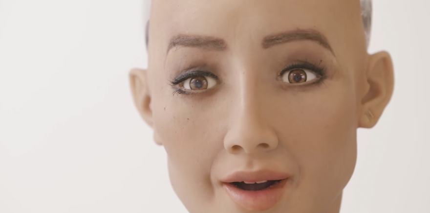 Sophia, le 1er Robot citoyen d'Arabie Saoudite